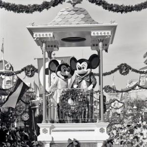 1976_mk_christmas_parade_01