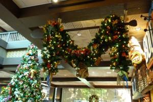 Disney's Polynesian Christmas Garland 2015