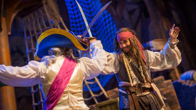 Captain Jack Sparrow Duel at Shanghai Disney 2016