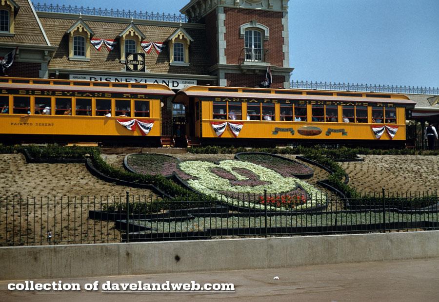 Disneyland 1955 Santa Fa Train